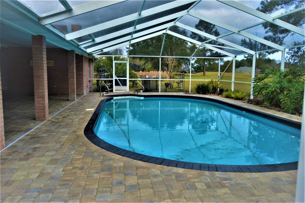 pool landscaping pavers